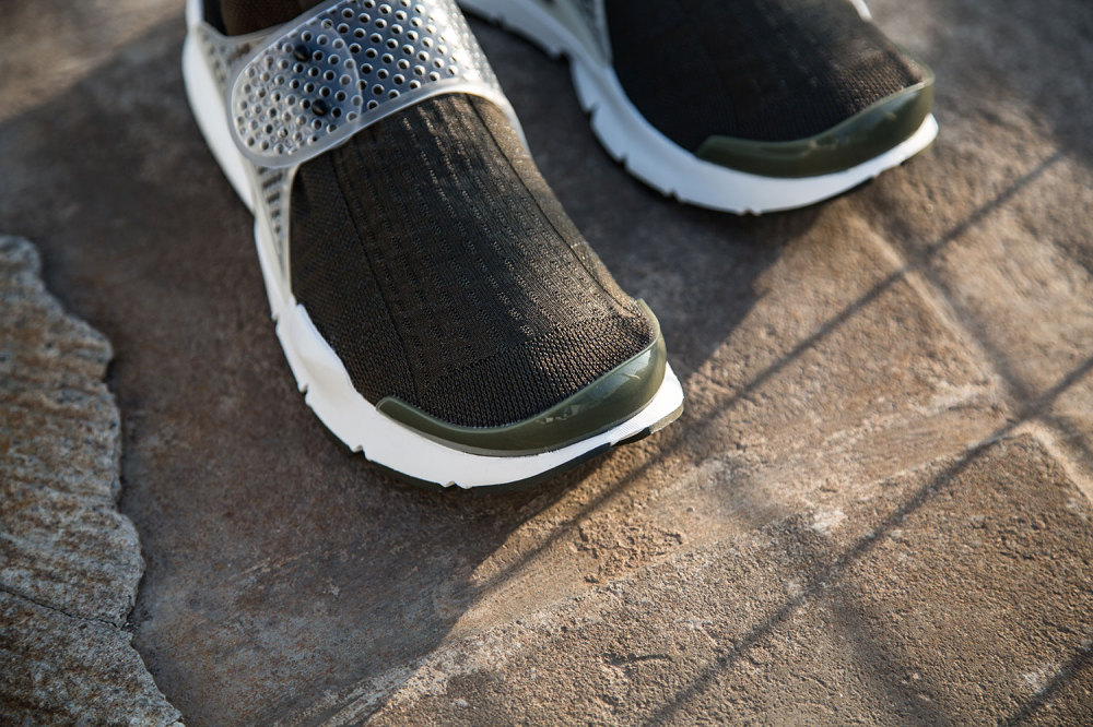 fragment design x Nike Sock Dart Dark Loden 6 1000x666