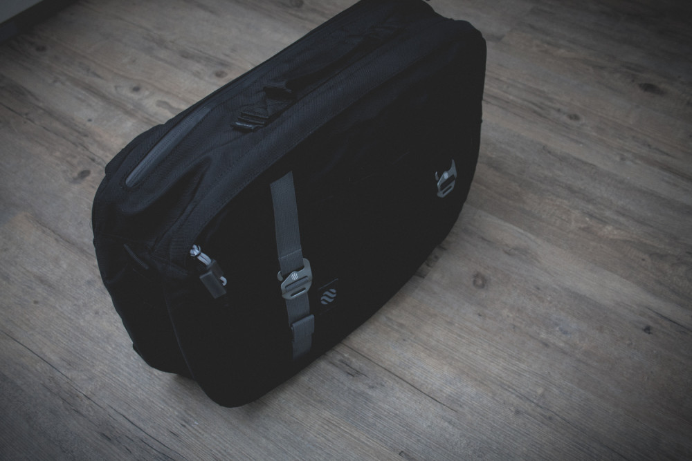 Heimplanet Daypack Monolith Black Review 12 1000x667