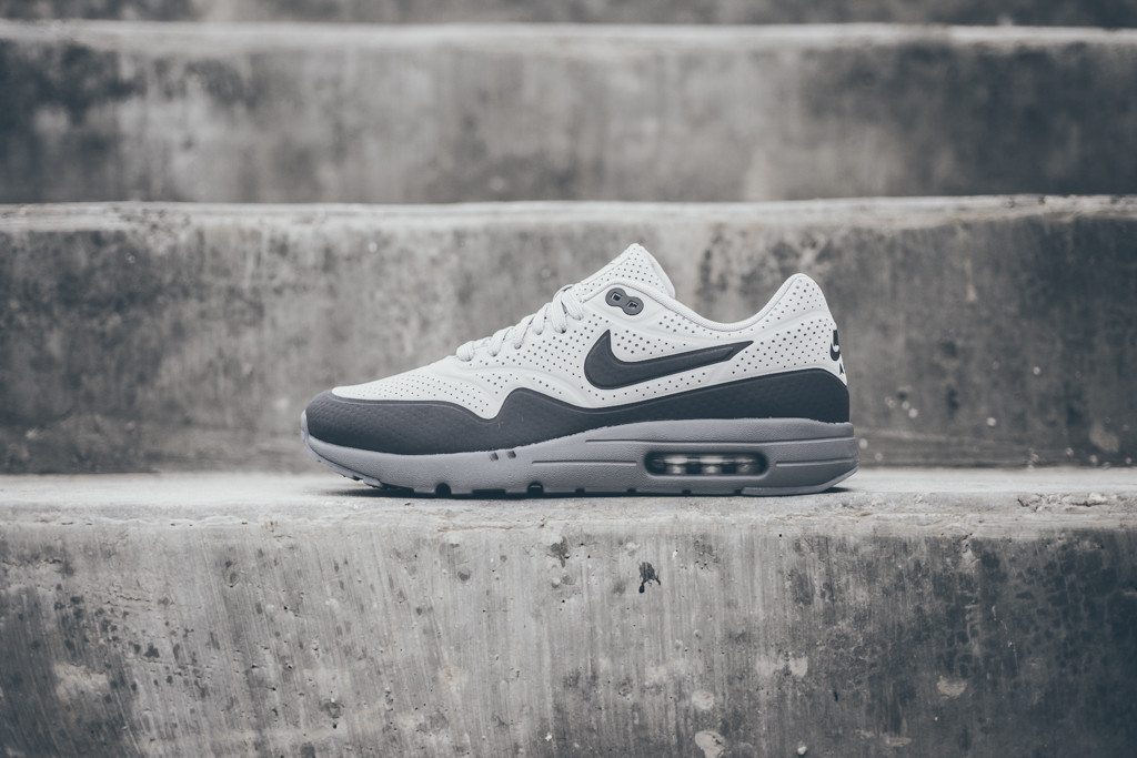 Nike Air Max 1 Ultra Moire Neutral Grey Dark Grey 1