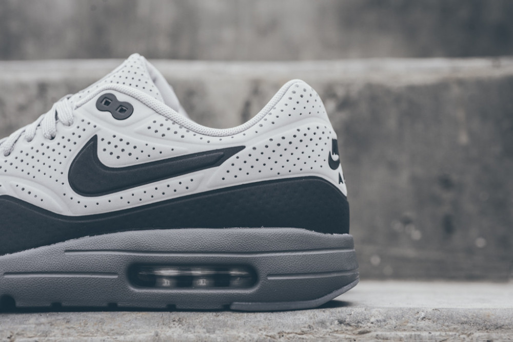 Nike Air Max 1 Ultra Moire Neutral Grey Dark Grey 6 1000x668