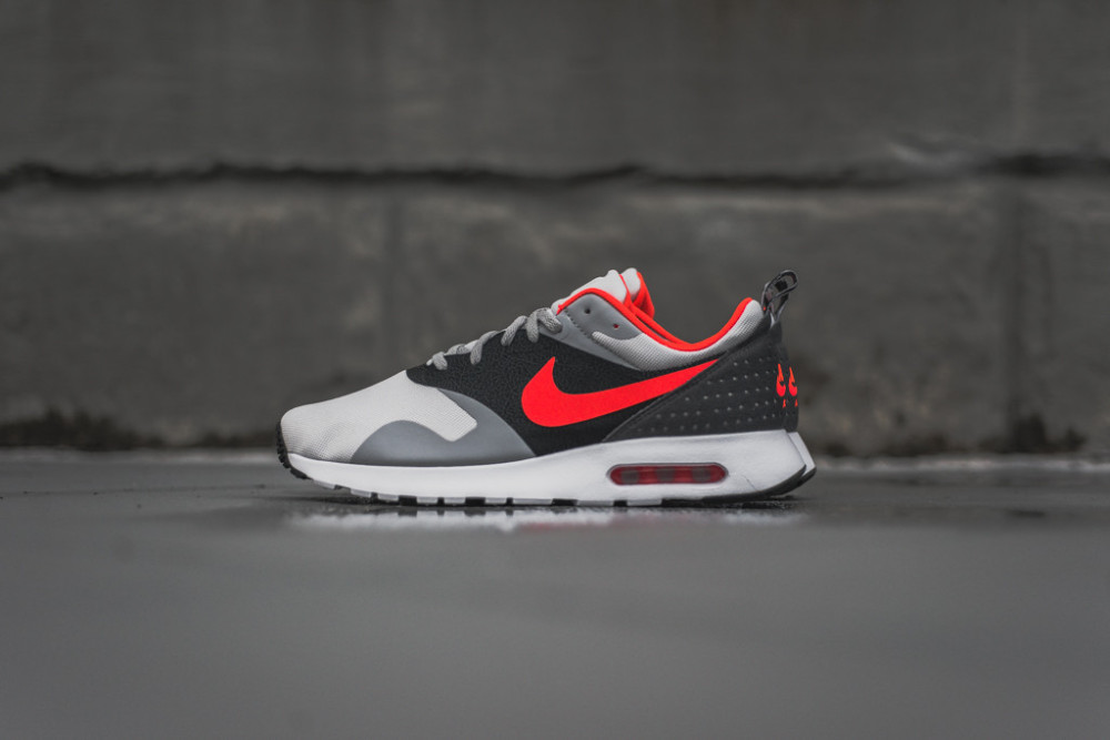 Nike Air Max Tavas Grey Bright Crimson 1 1000x667