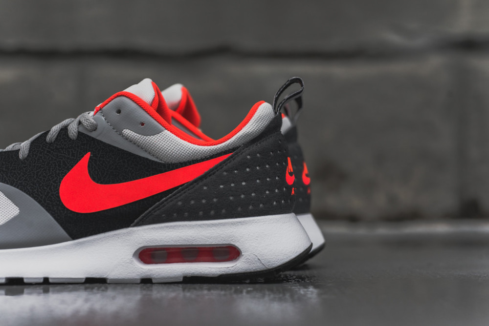 Nike Air Max Tavas Grey Bright Crimson 2 1000x668