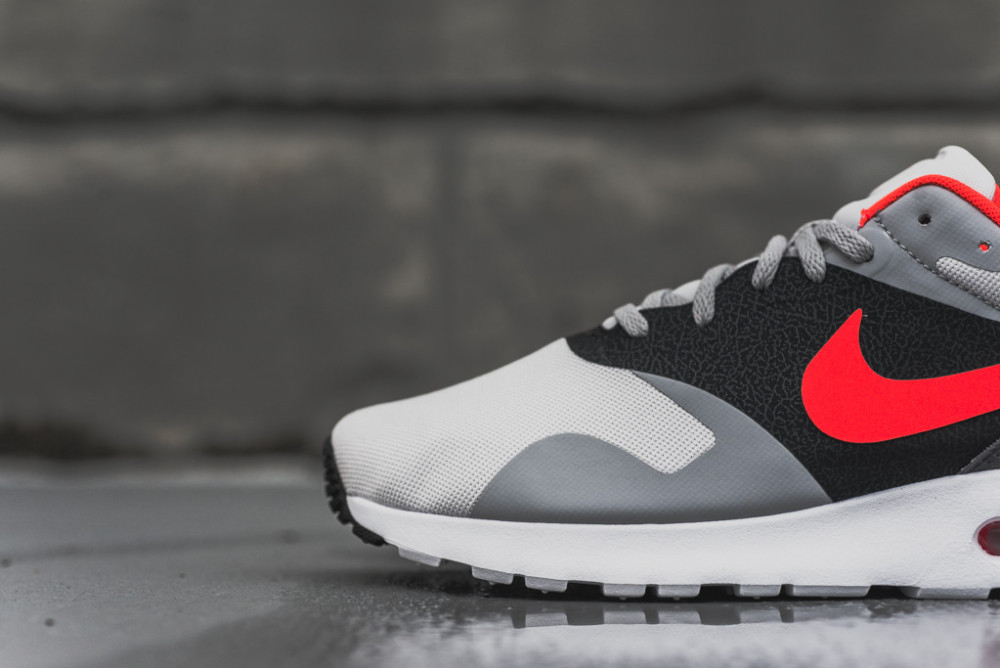 Nike Air Max Tavas Grey Bright Crimson 3 1000x668