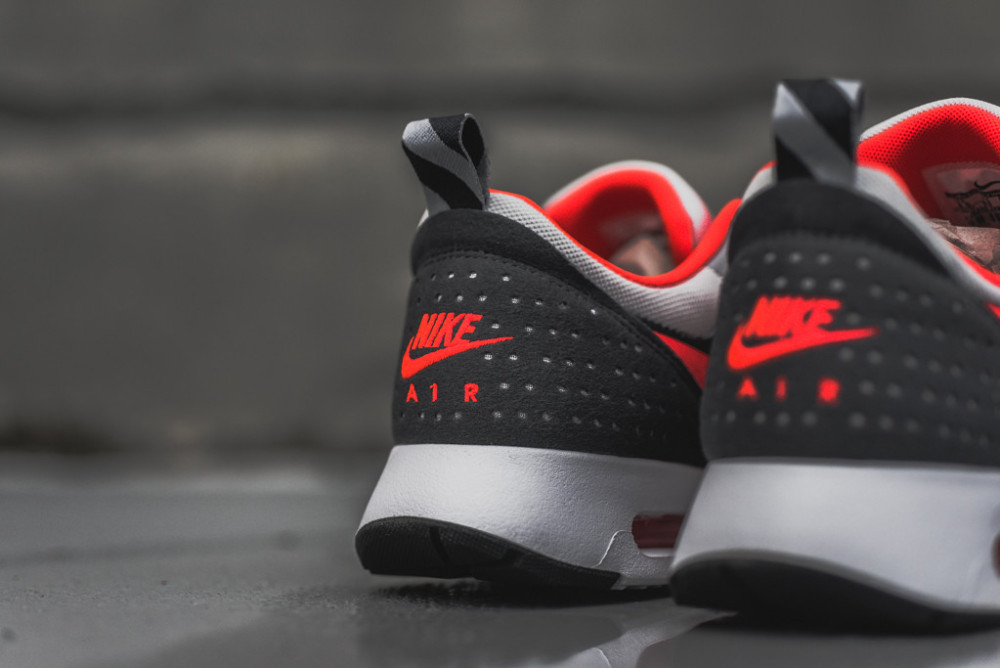 Nike Air Max Tavas Grey Bright Crimson 5 1000x668