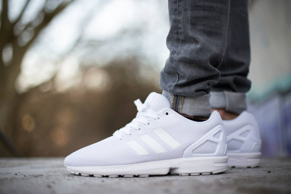 http://www.agoodpairofsneakers.com/wp-content/uploads/2015/01/adidas-Originals-ZX-FLUX-All-White-4.jpg