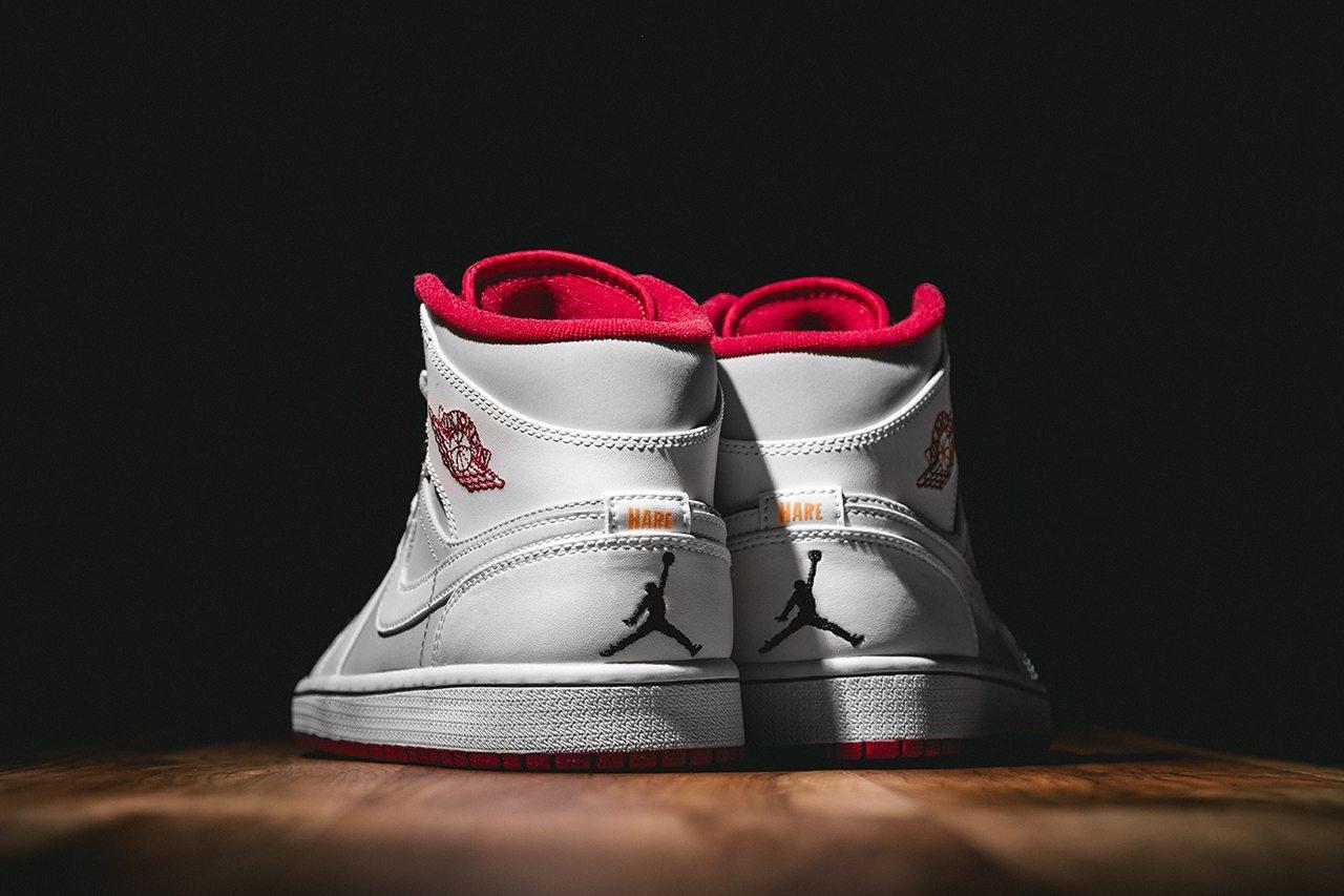 Air Jordan 1 Mid Hare 2