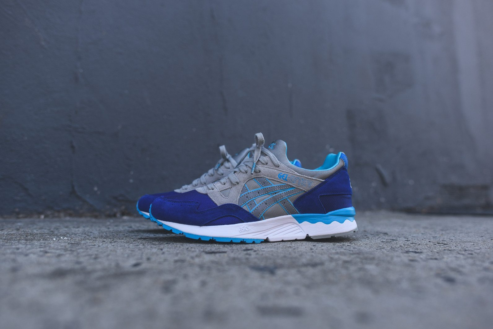Asics Gel Lyte V Dark Blue Light Grey 2