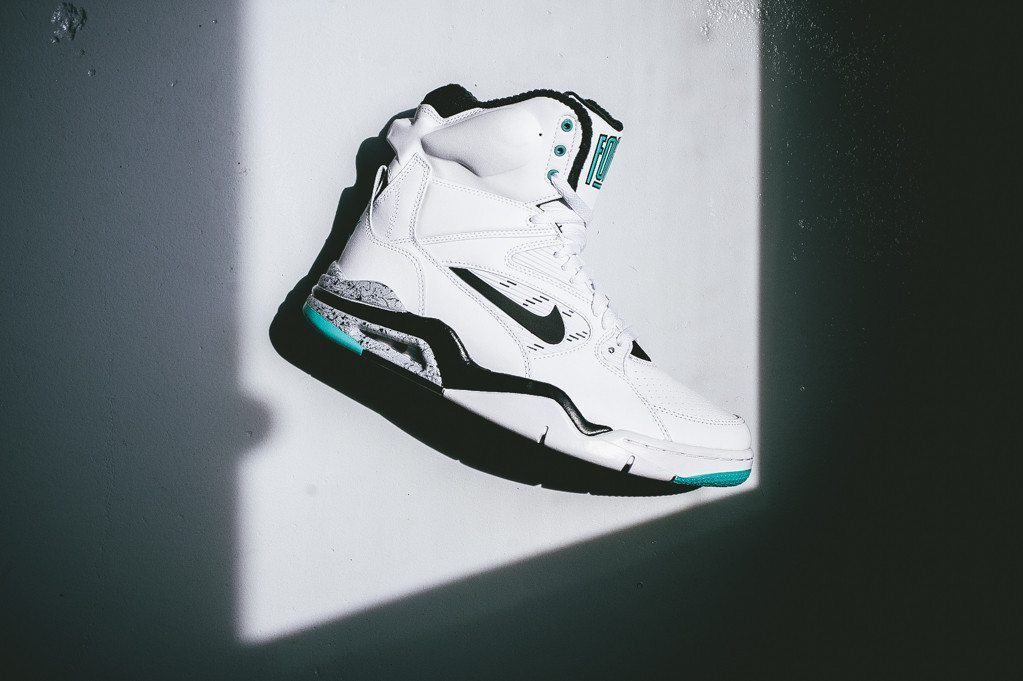 Nike Air Command Force White Wolf Grey 2
