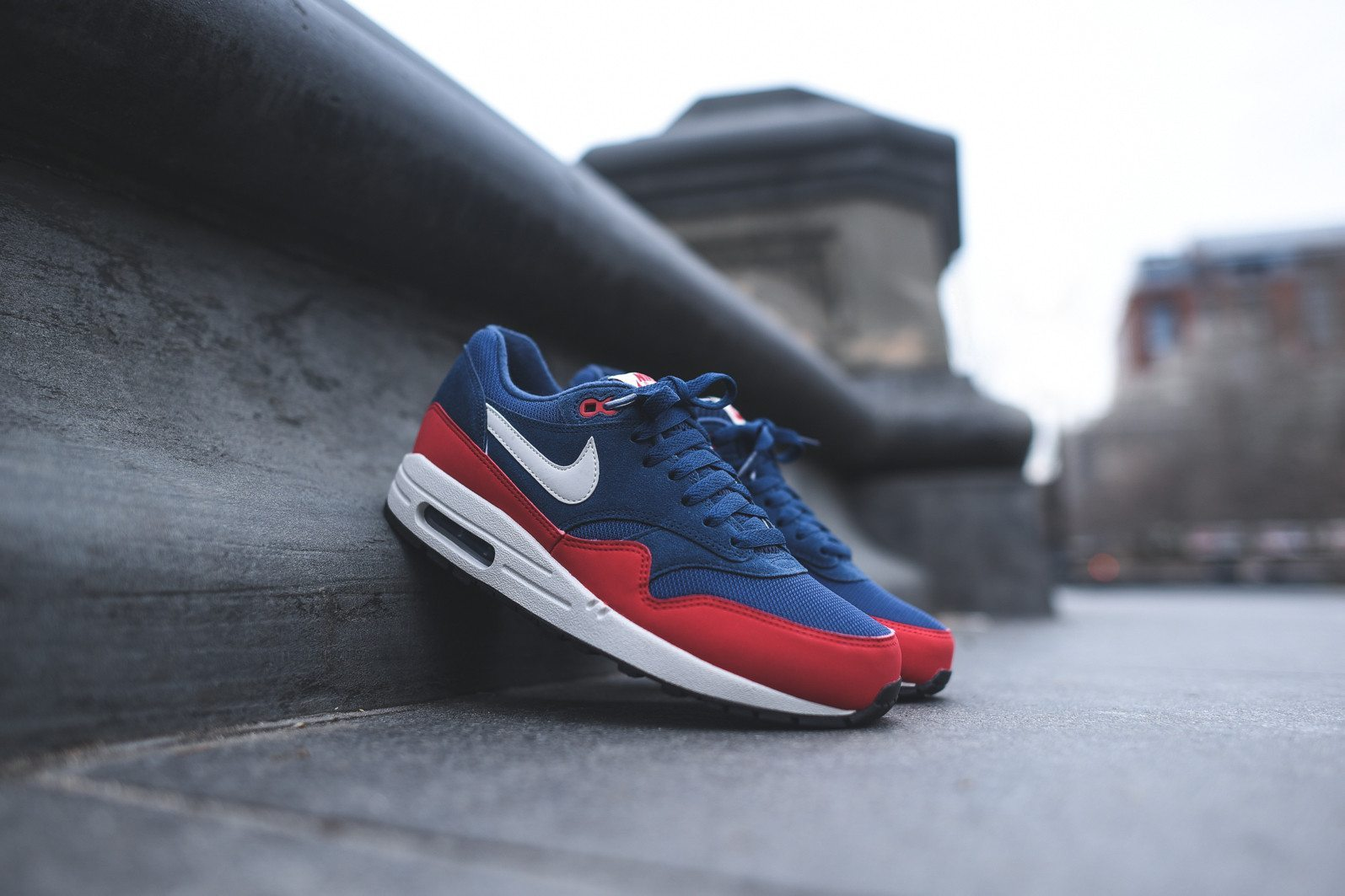 Nike Air Max 1 Essential Midnight Navy University Red 1