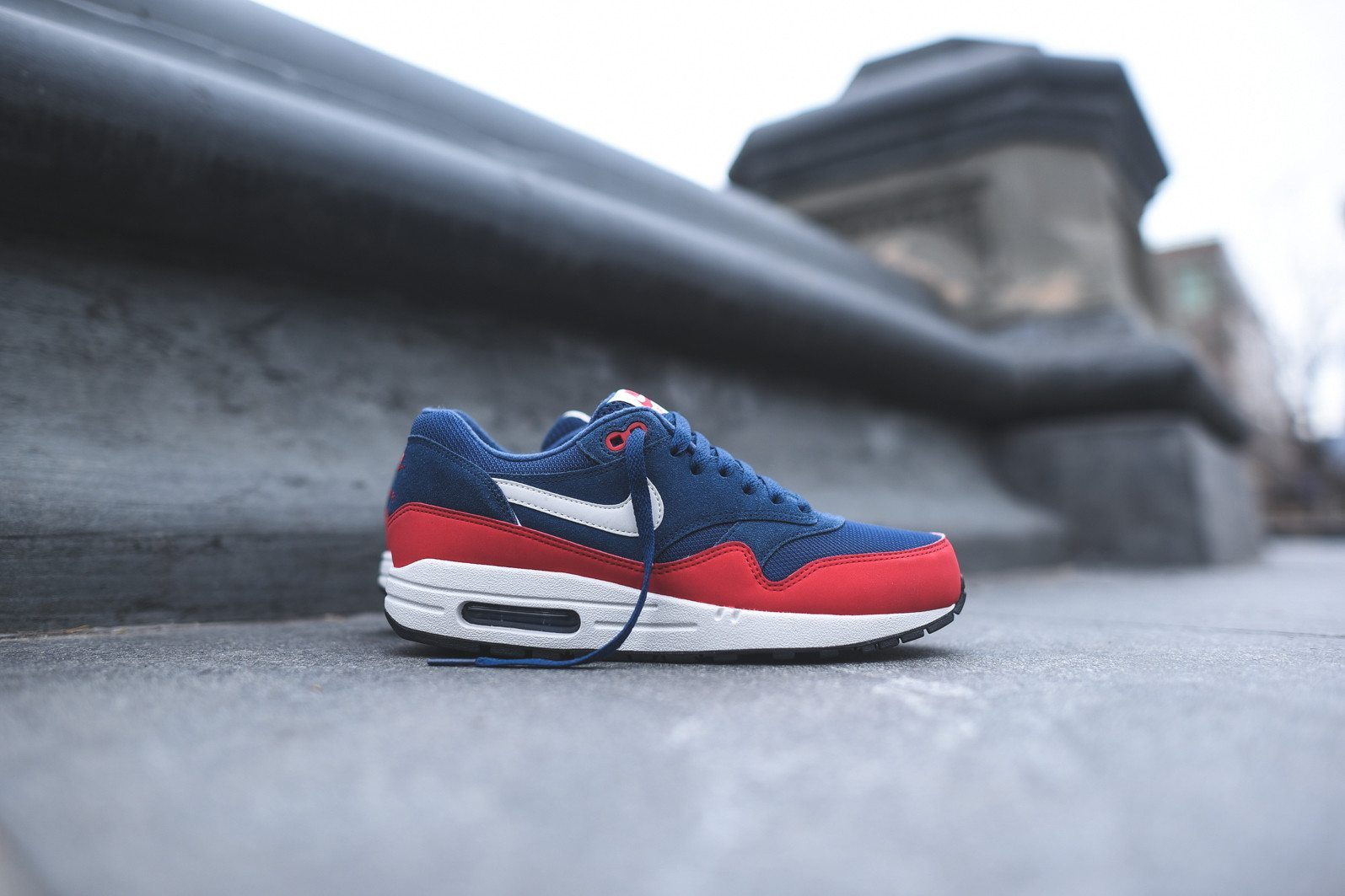 Nike Air Max 1 Essential Midnight Navy University Red 2