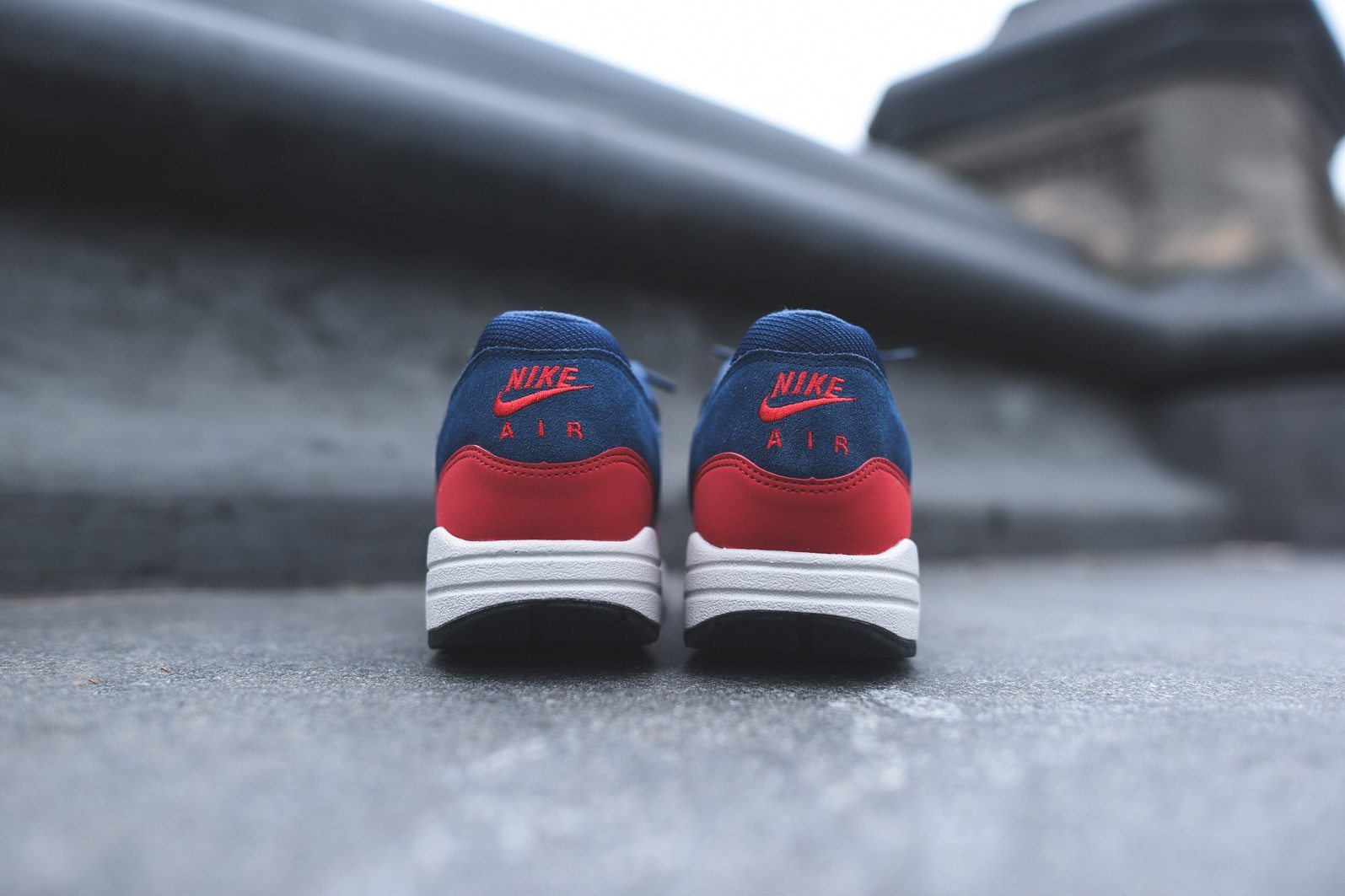 Nike Air Max 1 Essential Midnight Navy University Red 5