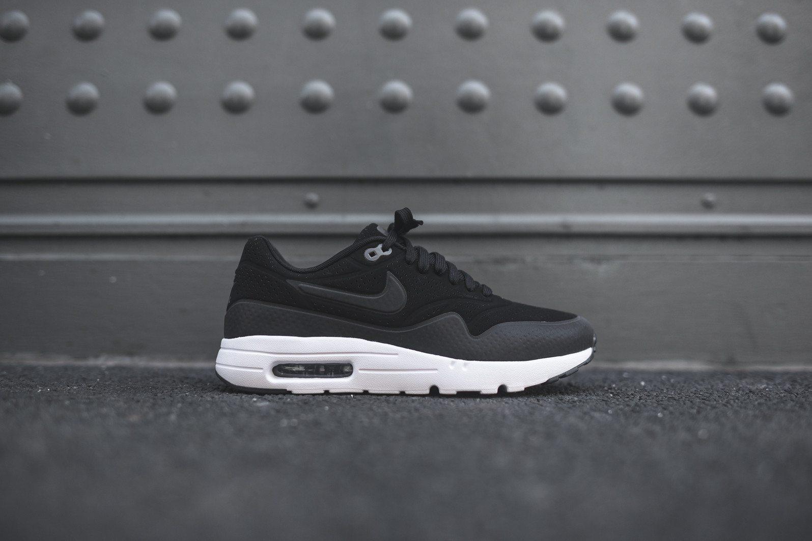 Nike Air Max 1 Ultra Moire Black Dark Grey White 2
