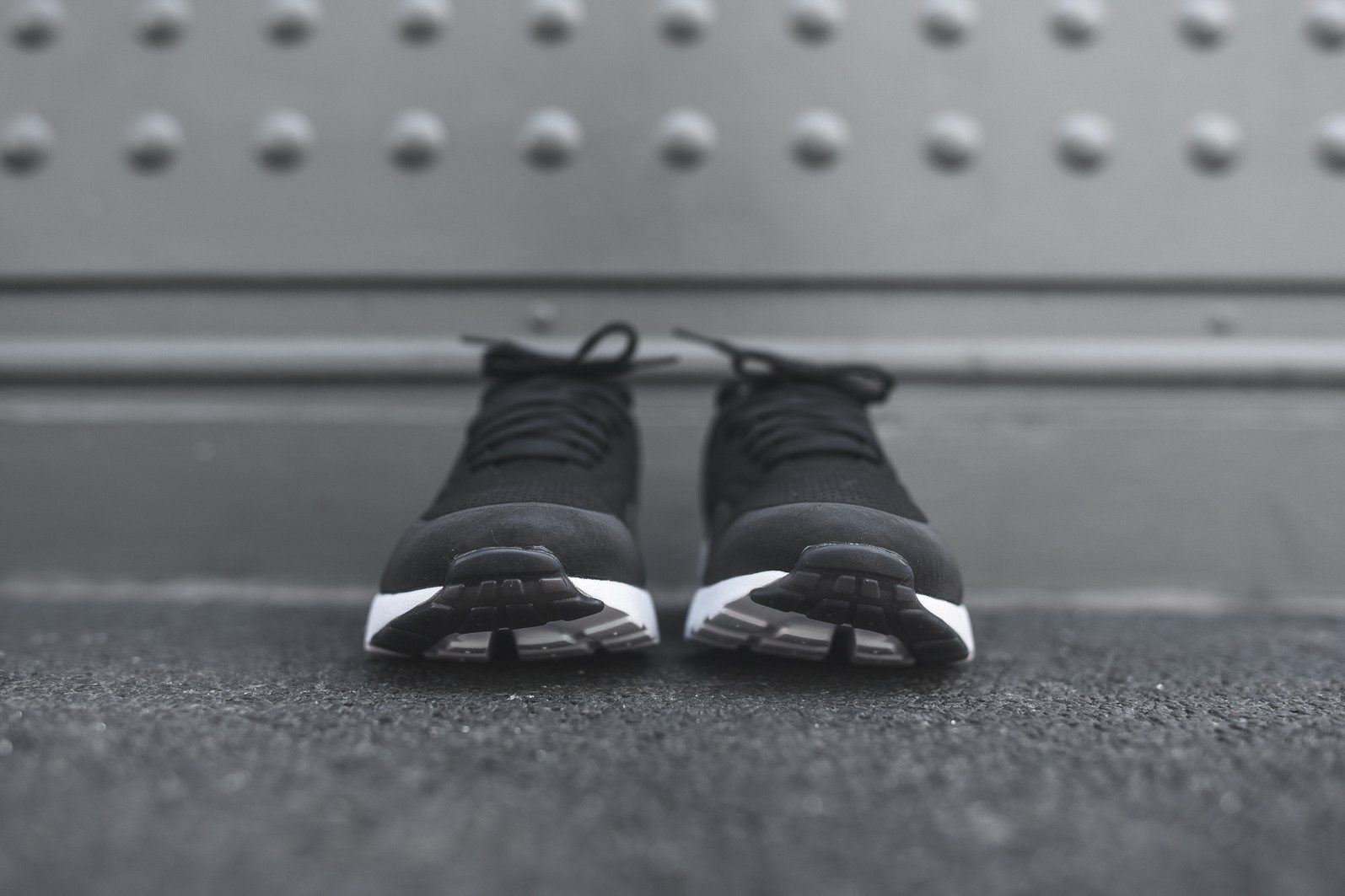 Nike Air Max 1 Ultra Moire Black Dark Grey White 4