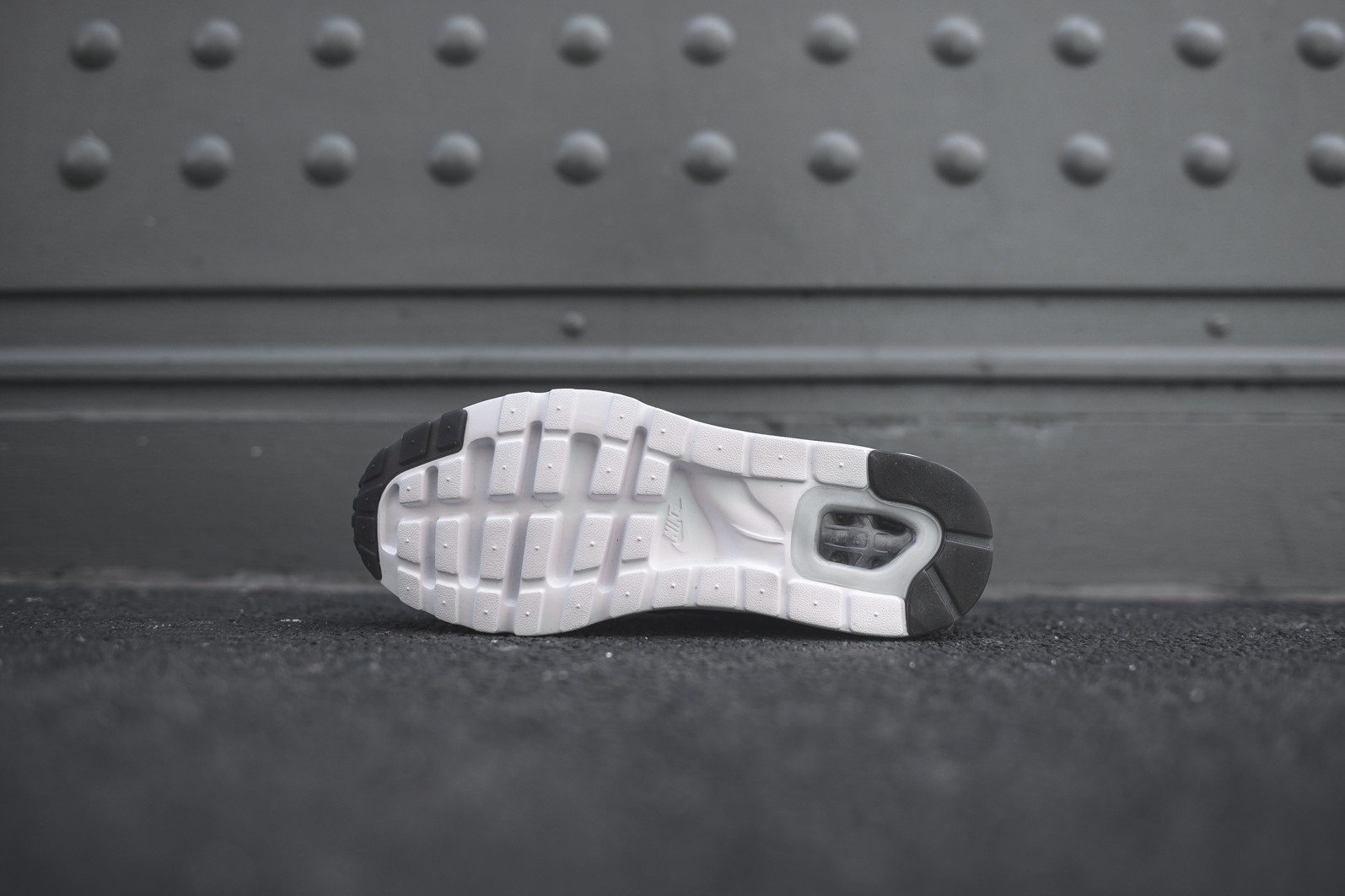 Nike Air Max 1 Ultra Moire Black Dark Grey White 6