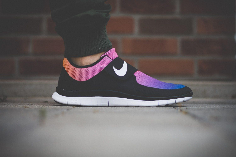 Nike Free SOCFLY Black Pink Flash 1