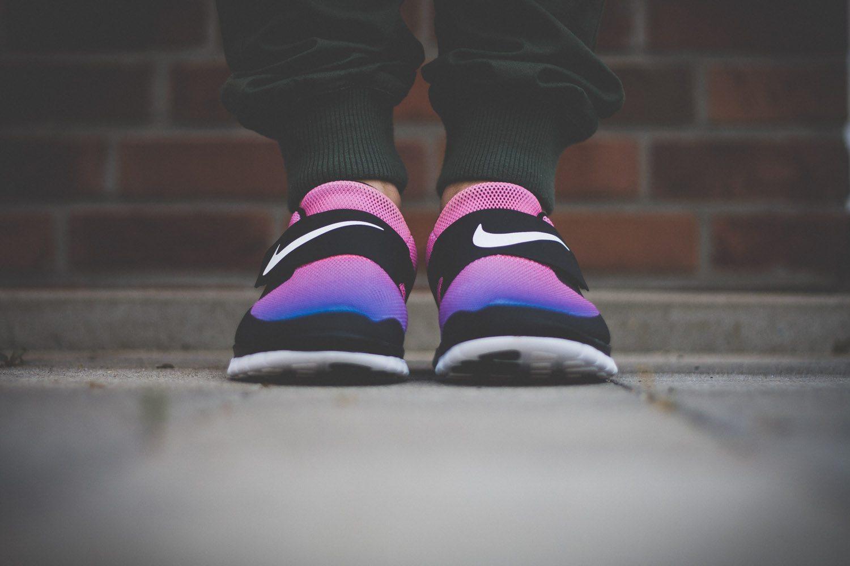 Nike Free SOCFLY Black Pink Flash 3
