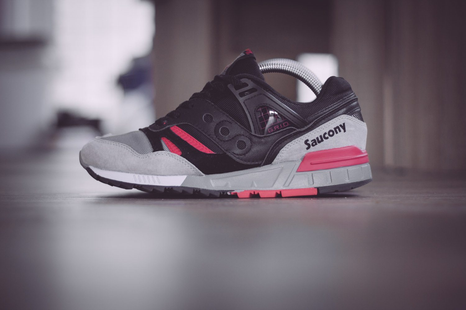 Saucony Originals Grid SD Black Grey Pink 1