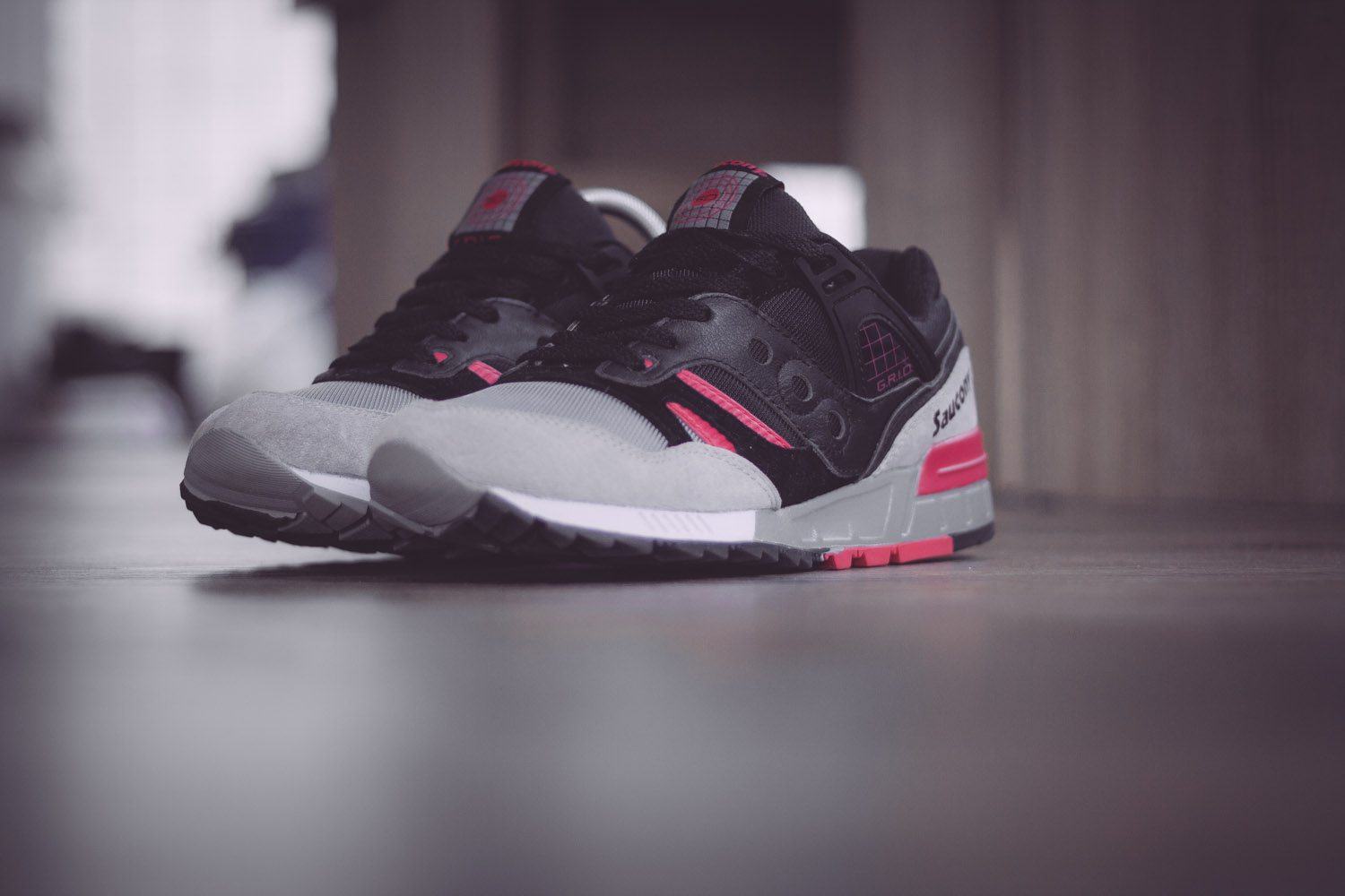 Saucony Originals Grid SD Black Grey Pink 3