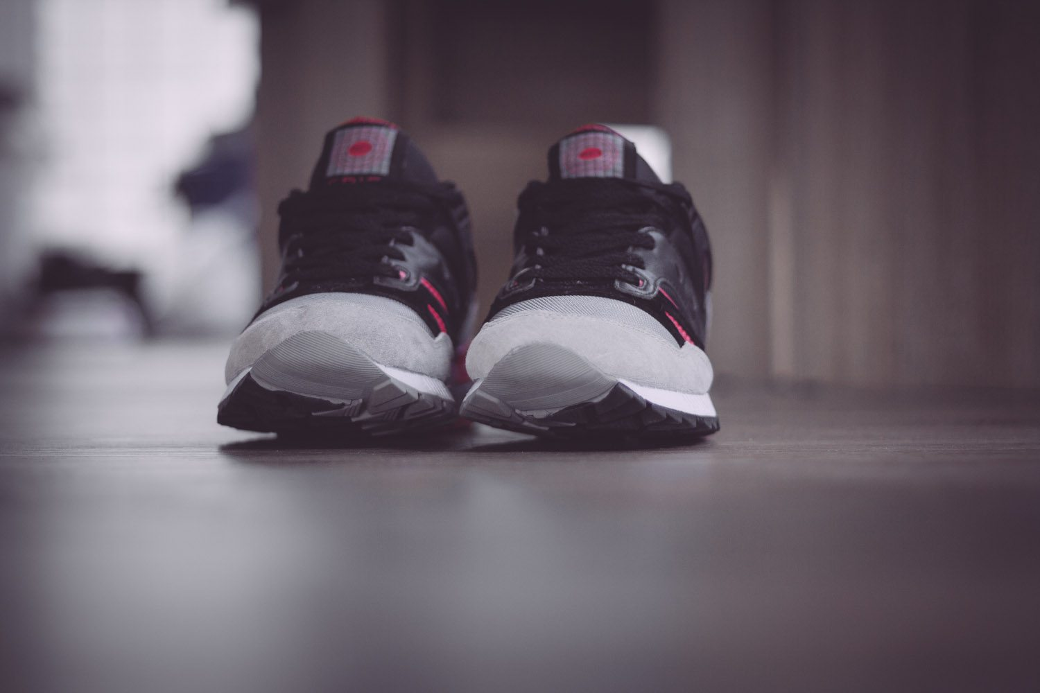 Saucony Originals Grid SD Black Grey Pink 4
