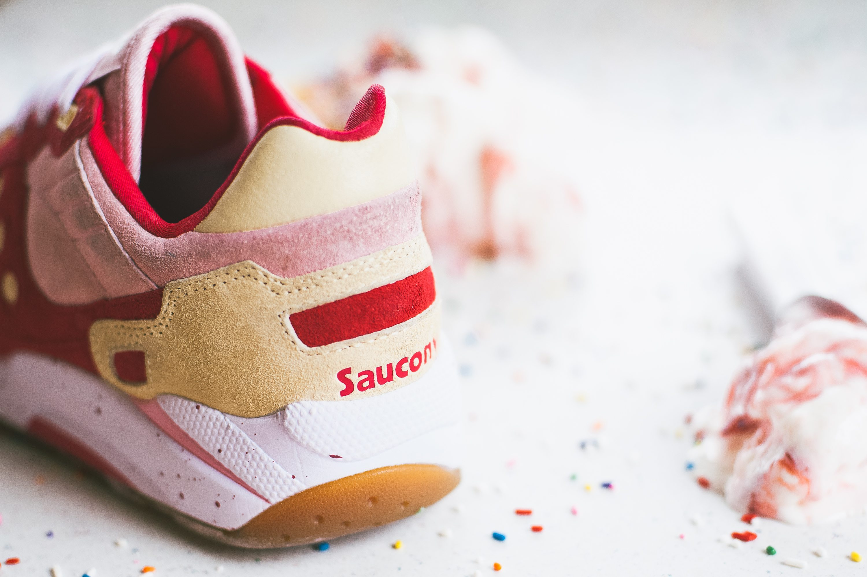 Saucony Originals Scoops Pack G9 Shadow 5 Strawberry Vanilla 2