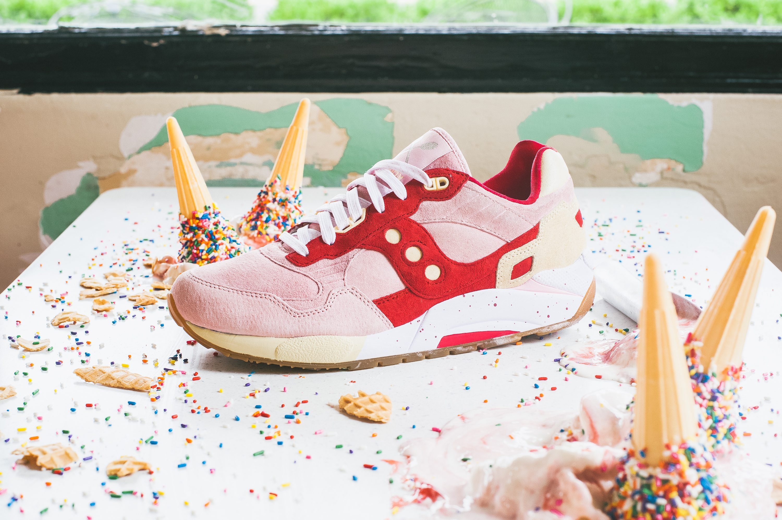 Saucony Originals Scoops Pack G9 Shadow 5 Strawberry Vanilla 4
