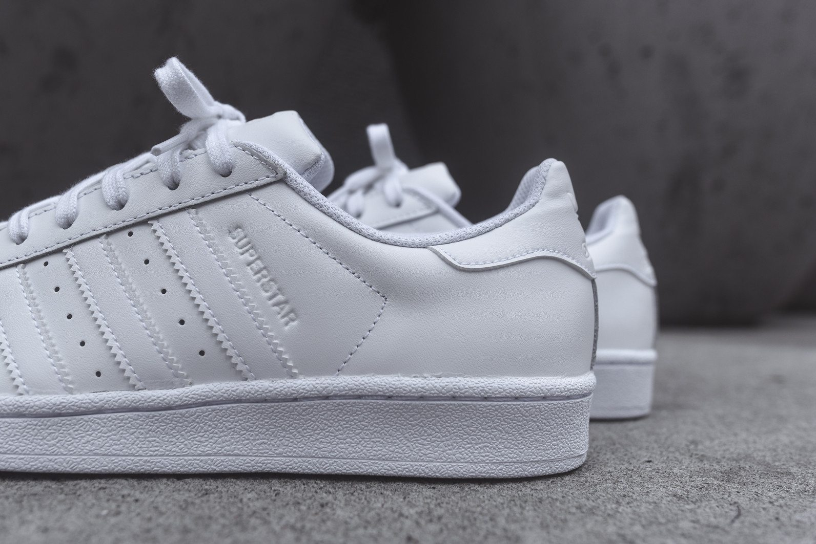 adidas Originals Superstar All White 6