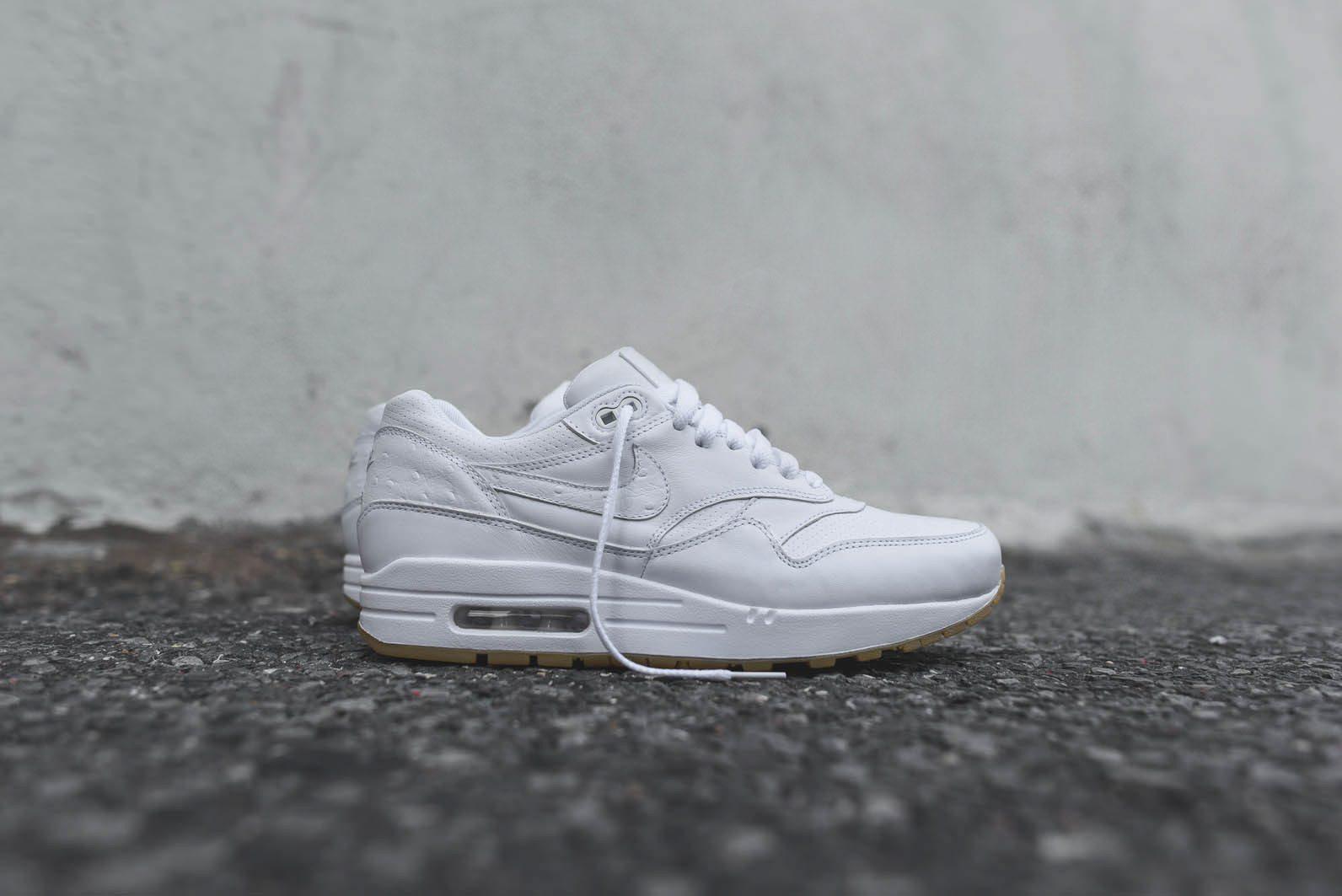 Nike Sportswear White Gum Pack 10