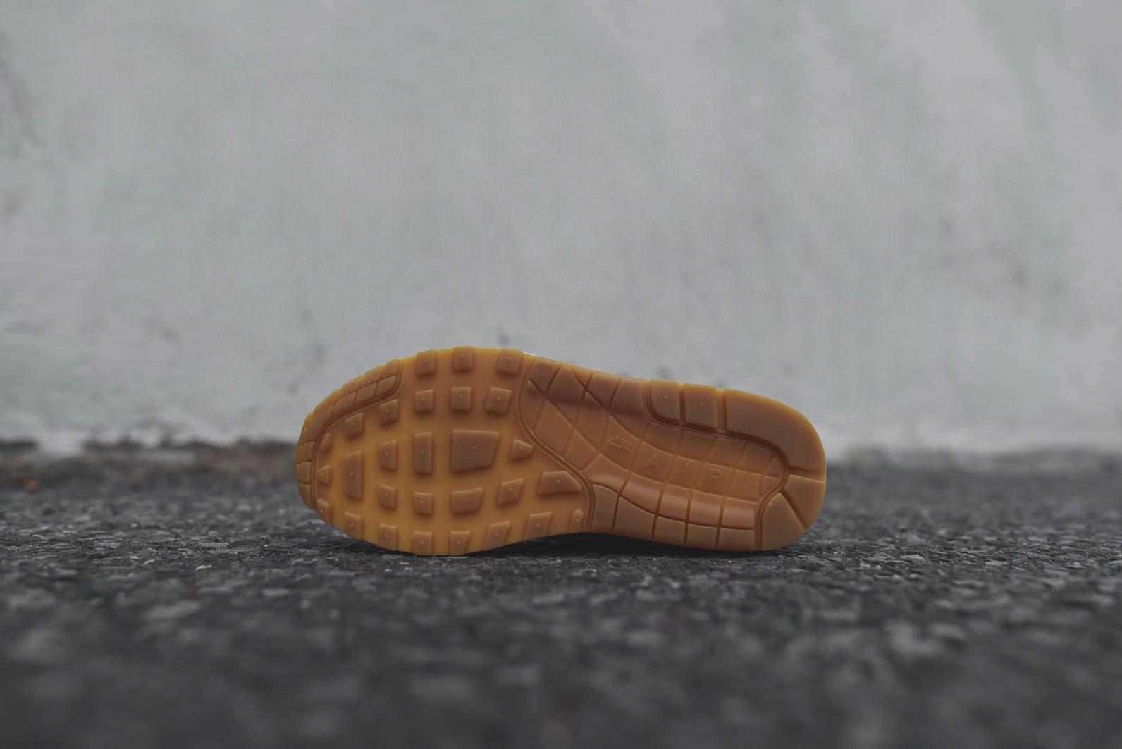 Nike Sportswear White Gum Pack 2