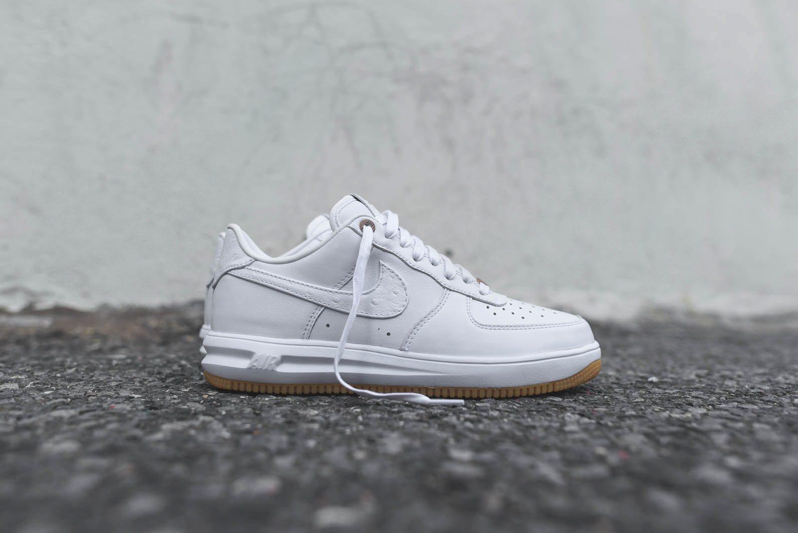 Nike Sportswear White Gum Pack 6