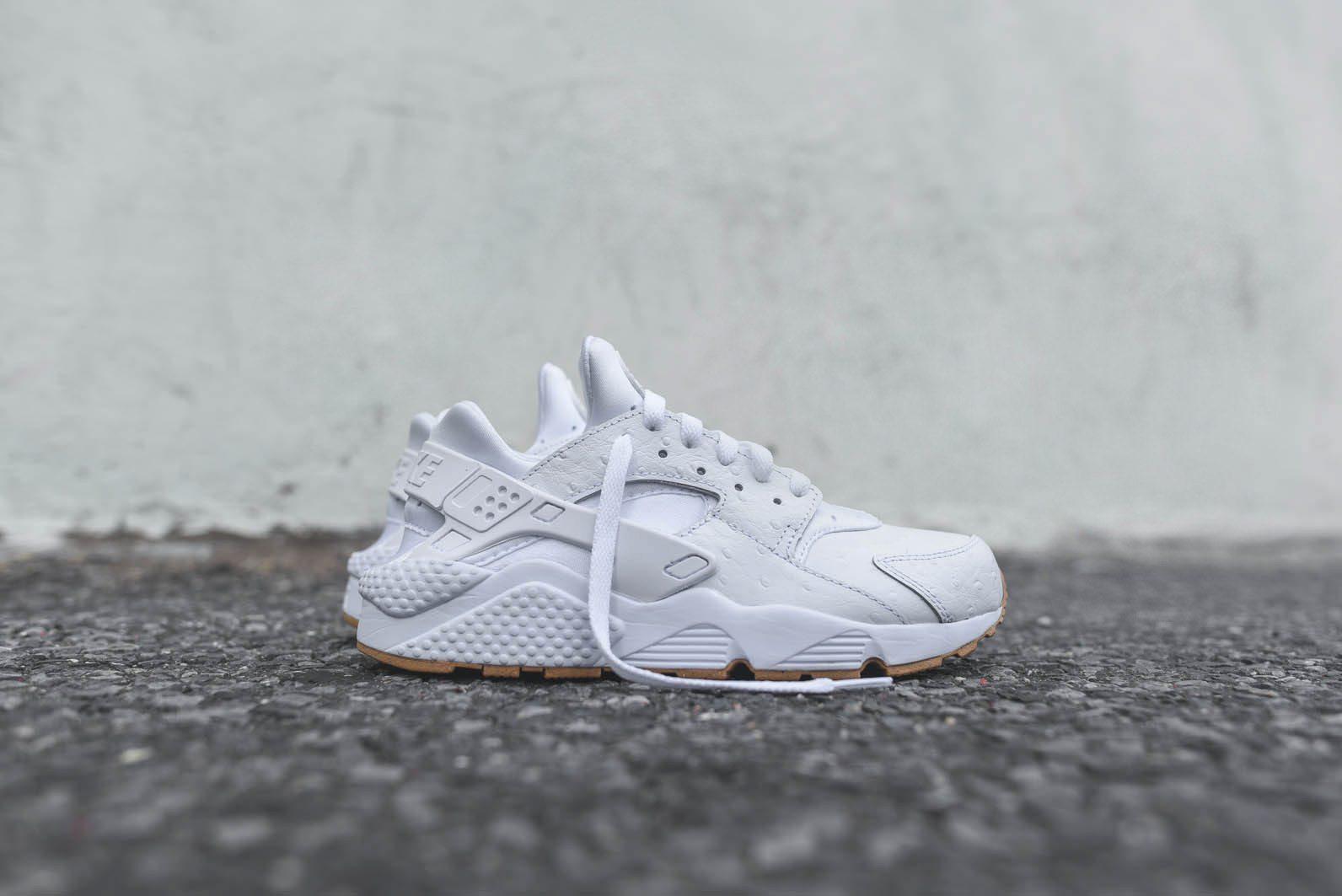 Nike Sportswear White Gum Pack 8