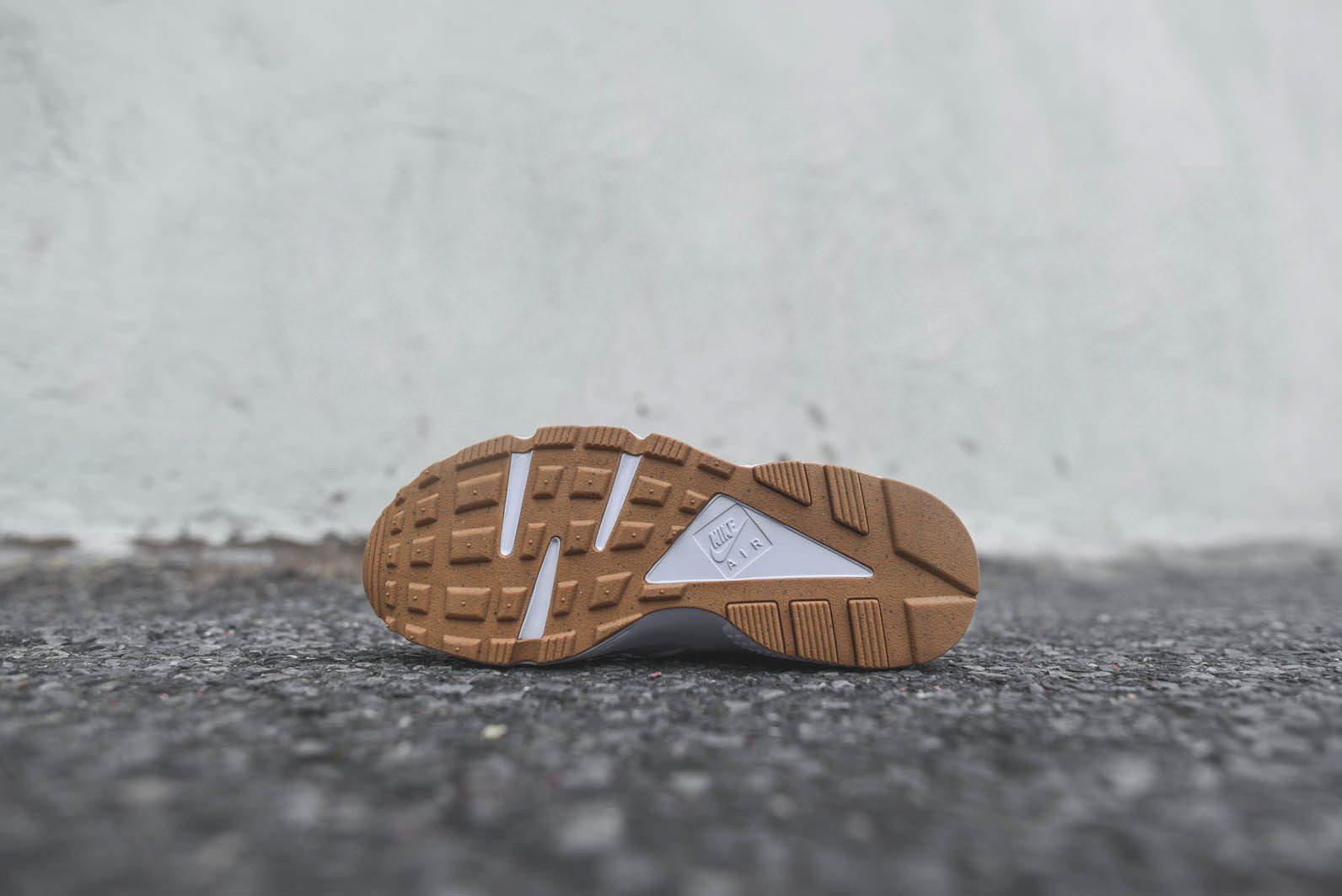 Nike Sportswear White Gum Pack 9