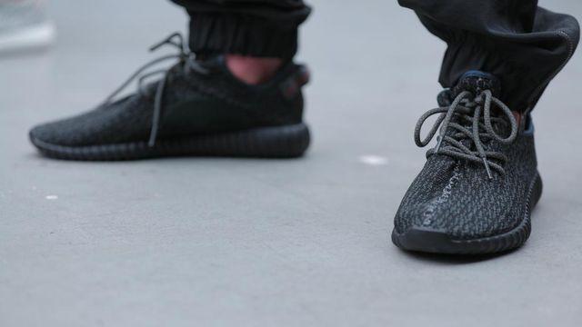 adidas Yeezy 350 Boost Low Black 2