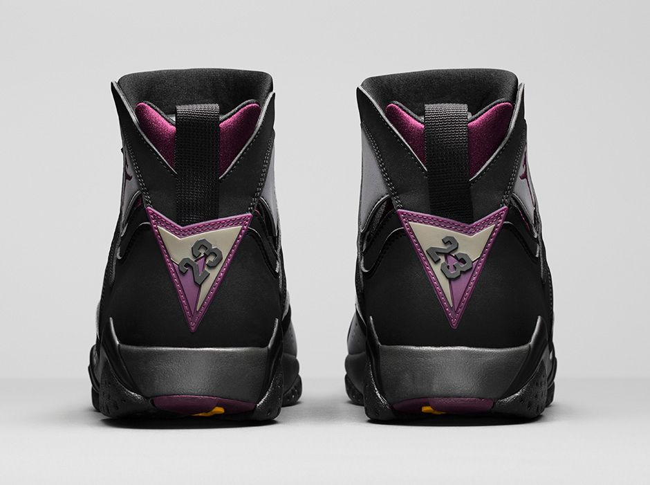 Air Jordan 7 Retro Bordeaux 4