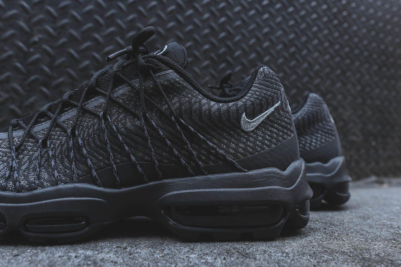 ? Nike Air Max 95 Ultra JCRD - Black Dark Grey | #SNKR?
