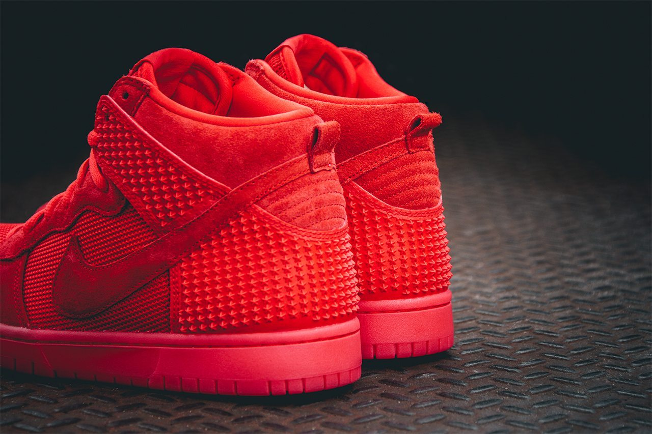 Nike Dunk CMFT PRM Light Crimson 2