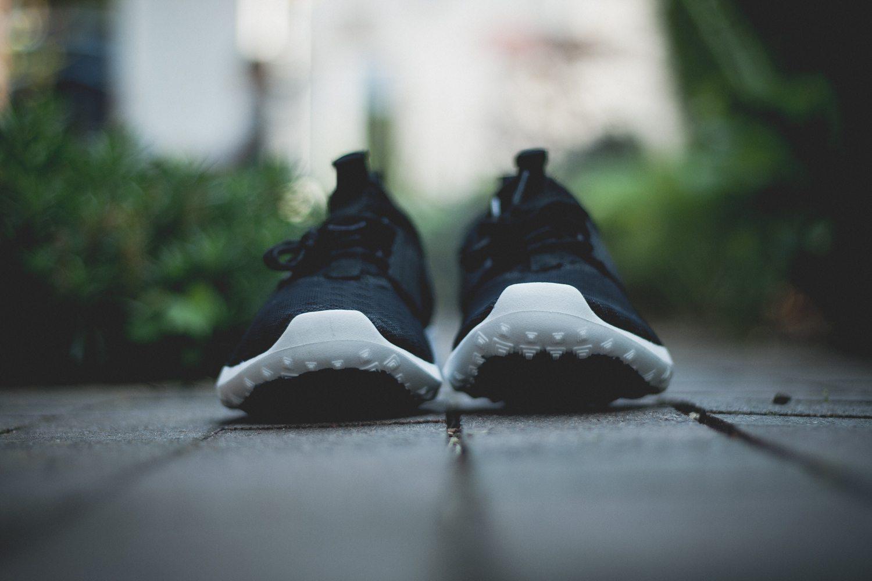 Nike Juvenate Black White 4