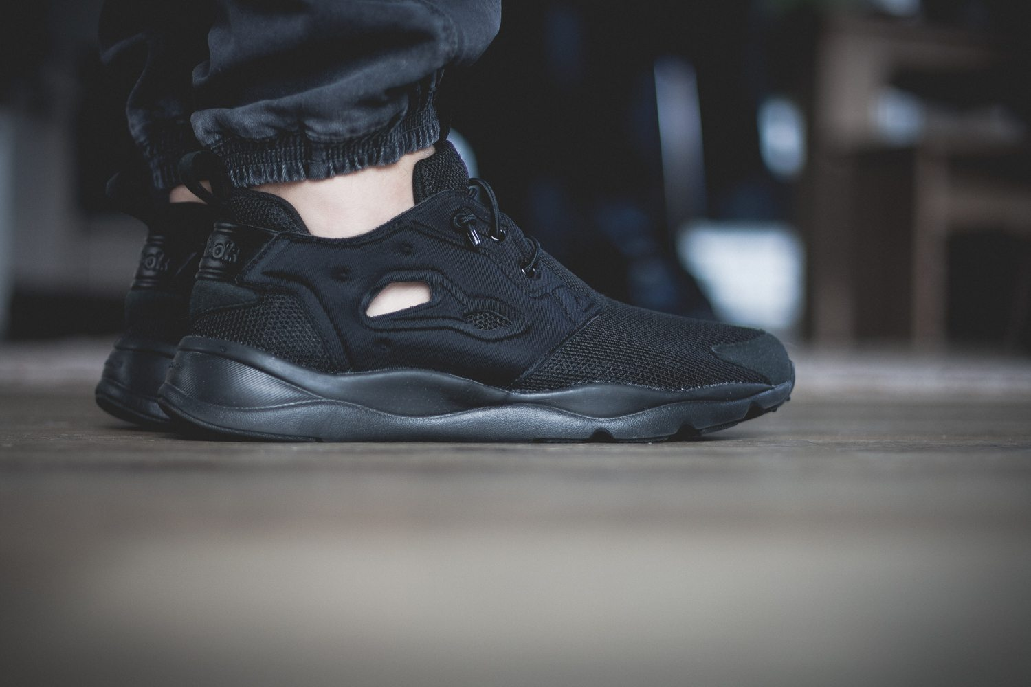 Reebok Classic Fury Lite All Black 1