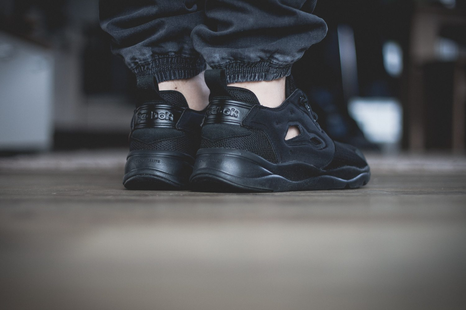 Reebok Classic Fury Lite All Black 11