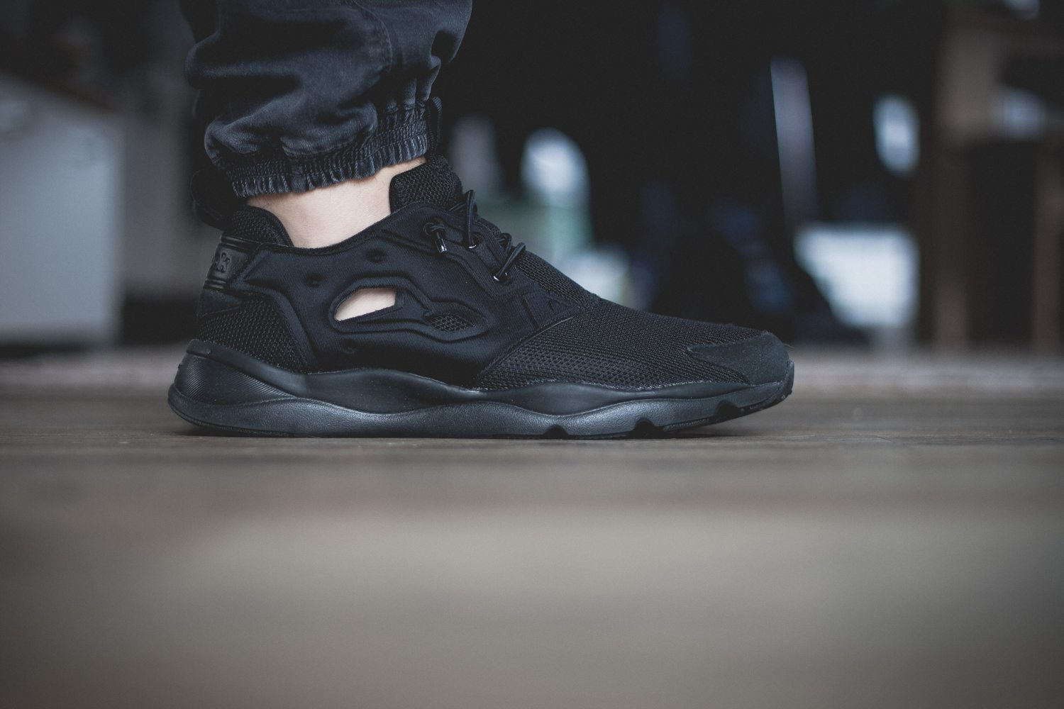 Reebok Classic Fury Lite All Black 2