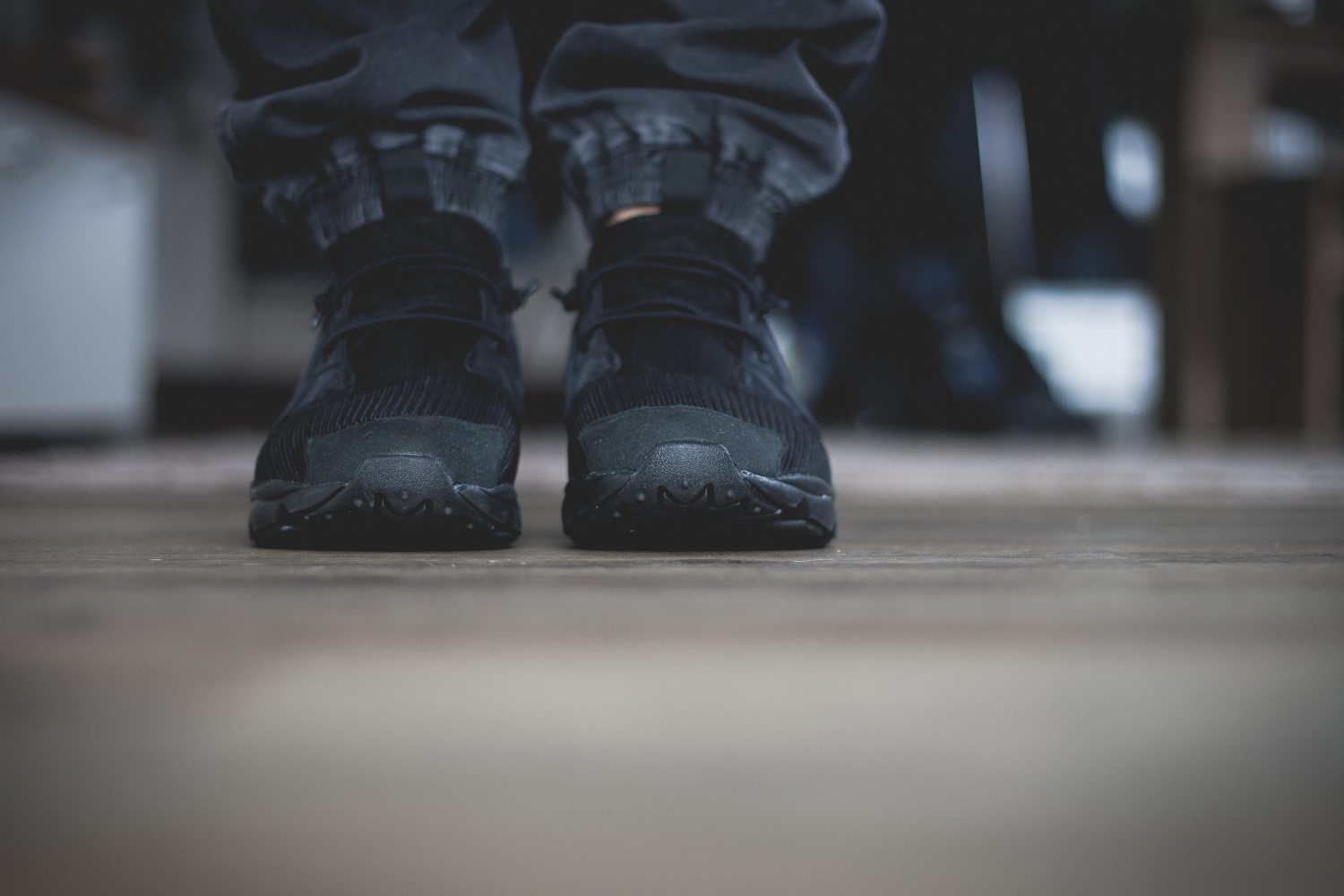 Reebok Classic Fury Lite All Black 4