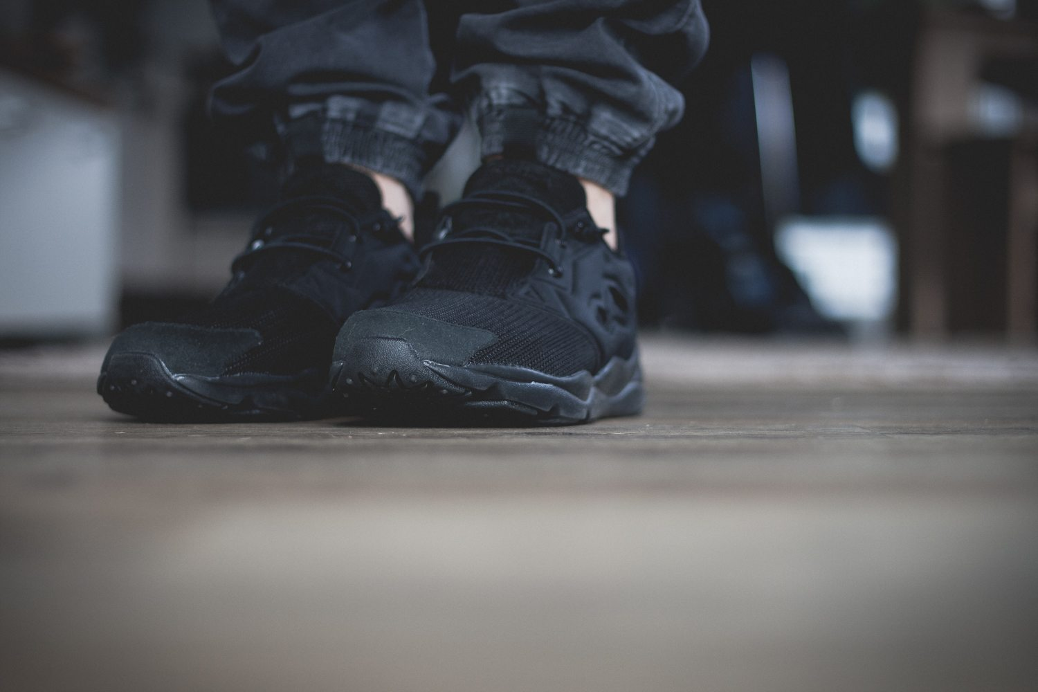 Reebok Classic Fury Lite All Black 5