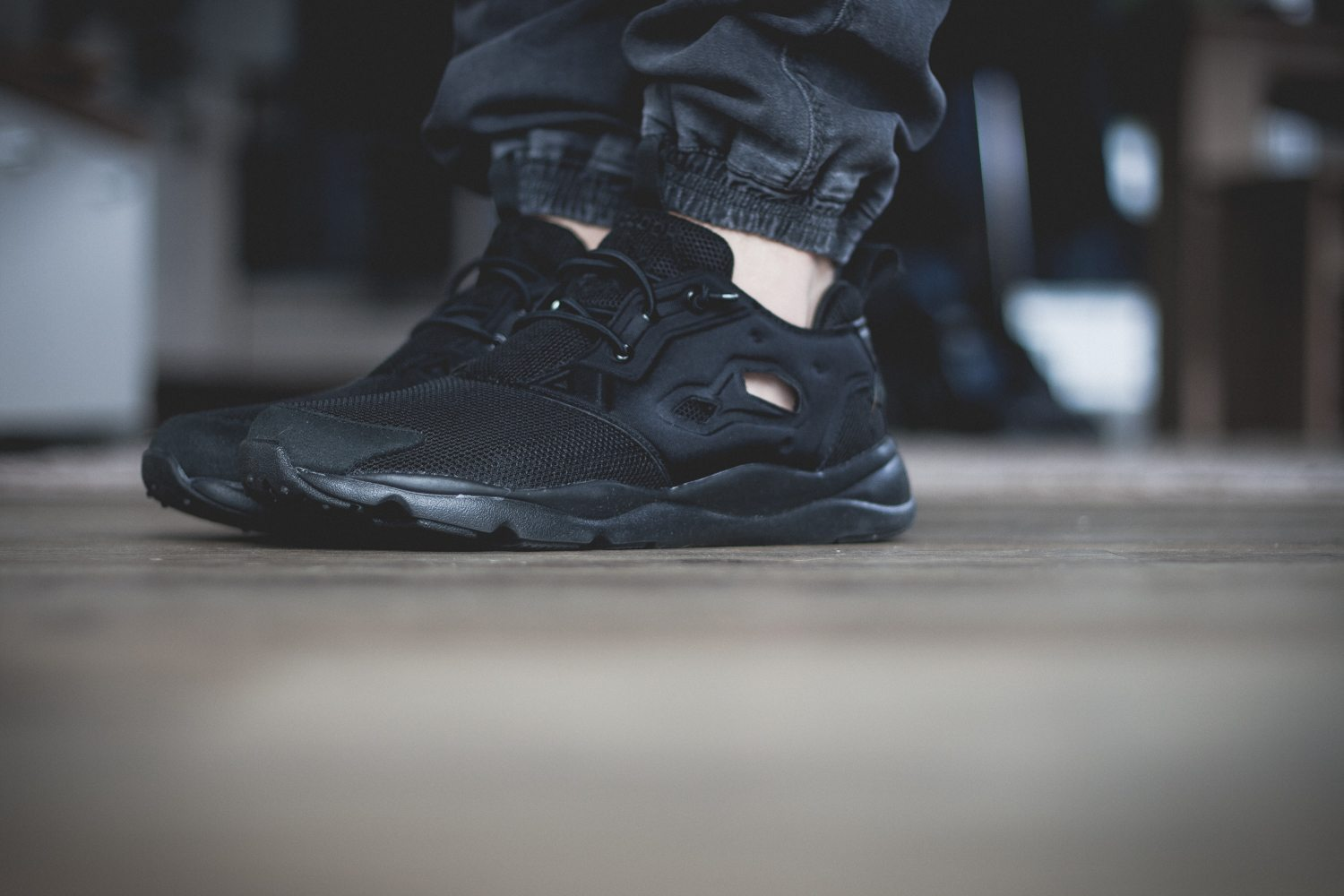 Reebok Classic Fury Lite All Black 6
