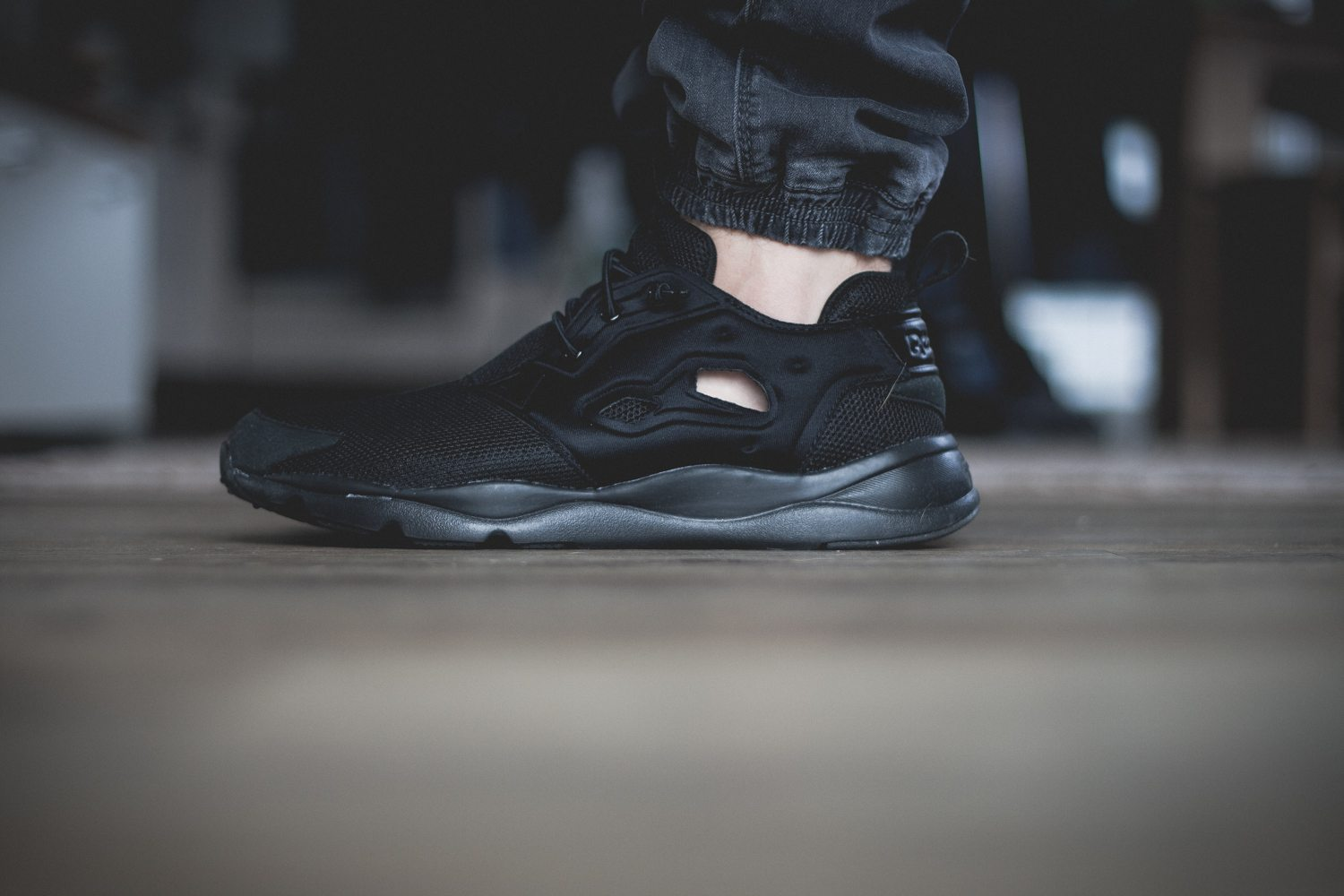 Reebok Classic Fury Lite All Black 7