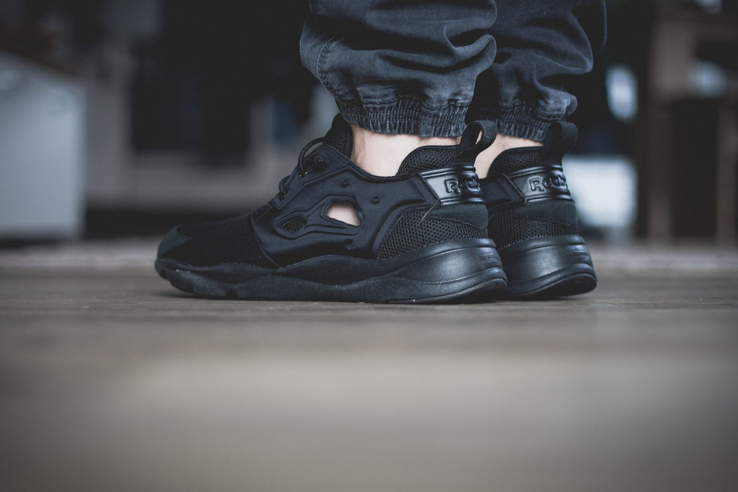 Reebok Classic Fury Lite All Black 8