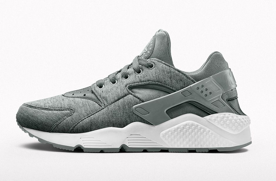 NIKE Air Huarache iD Prime Fleece