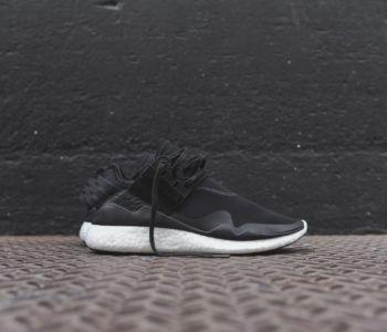 Y 3 Retro Boost Black White 1 350x300