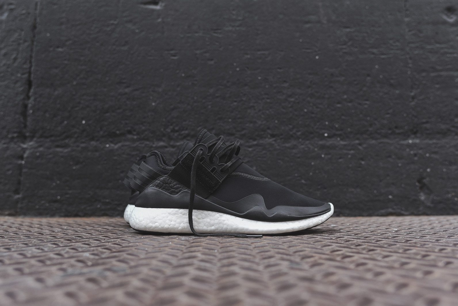 Y 3 Retro Boost Black White 1