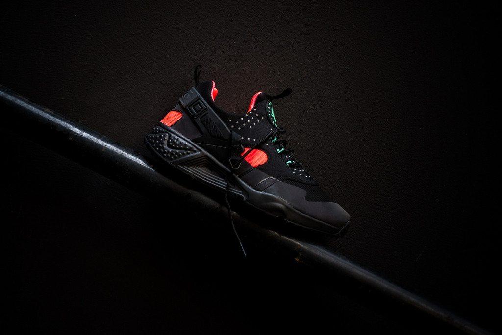Nike Air Huarache Utility Black Bright Crimson 1