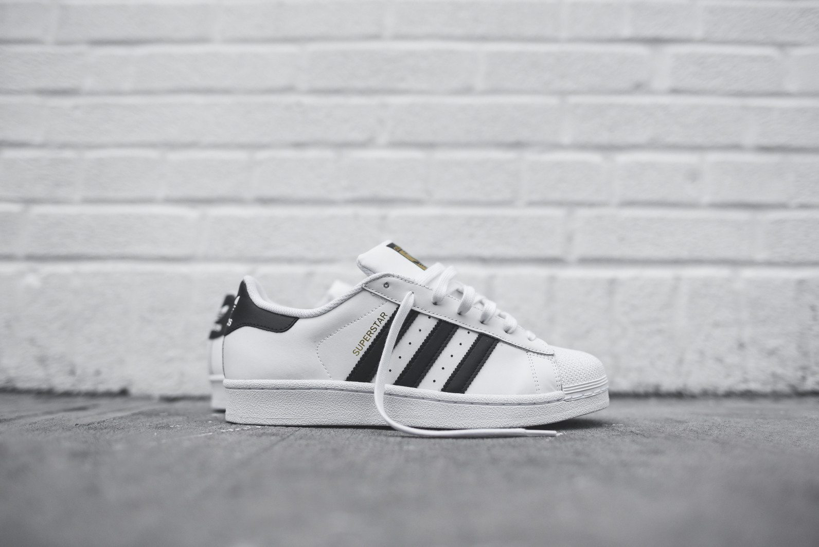 adidas Originals Superstar White Black 1