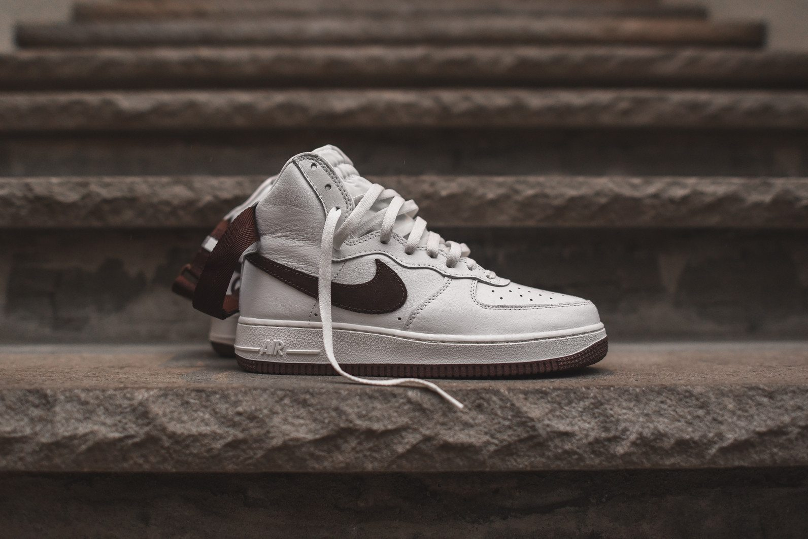 Nike Air Force 1 High Retro Summit White Chocolate 1